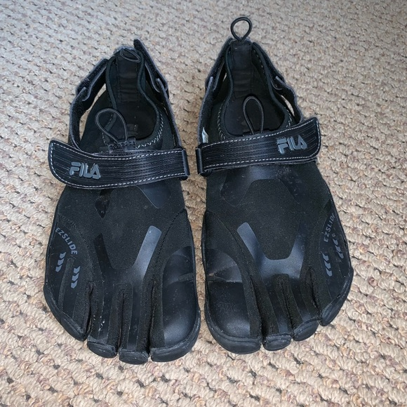 Men Fila Skeletontoes Water Shoes